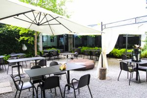 Galli e Gufi ristorante - cortile